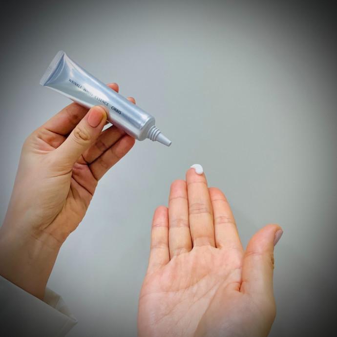 今と未来のお悩みにこれ1本!美白(*1)もできる薬用シワ改善美容液。