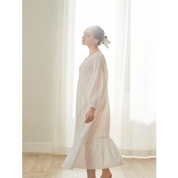 【舞い散る桜のようにふんわりと仕上げたティアードドレス】