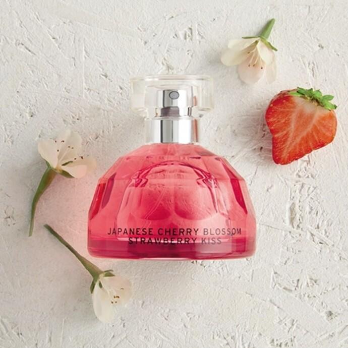 ストロベリーとサクラの華やかな春の香り♪