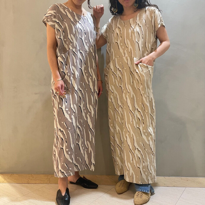 UNDULATION LINE PRINT DRESS