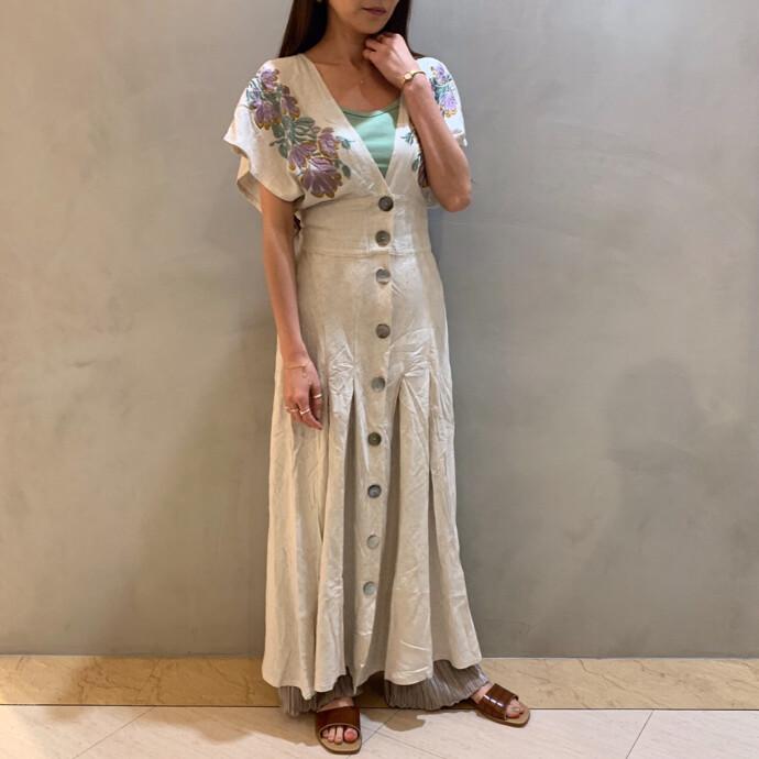 EMBROIDERY LADYLIKE DRESS