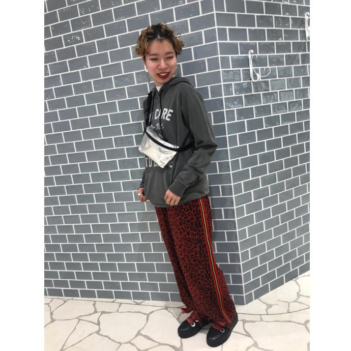 【大注目★レオパードパンツコーデ】