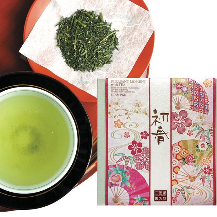 新年を祝うおめでたい席で、金箔入りのお煎茶を
