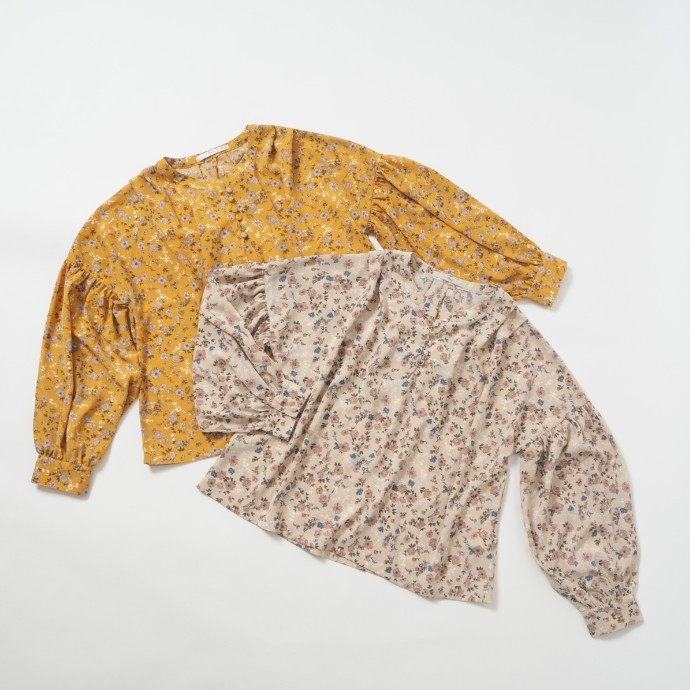 flower tuck blouse*