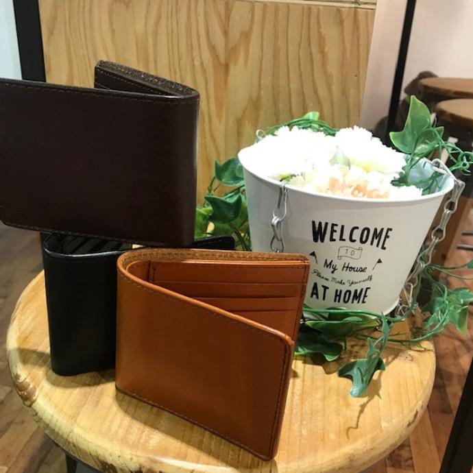 【カーム ビルフォードウォレット】藤沢のレザーショップ