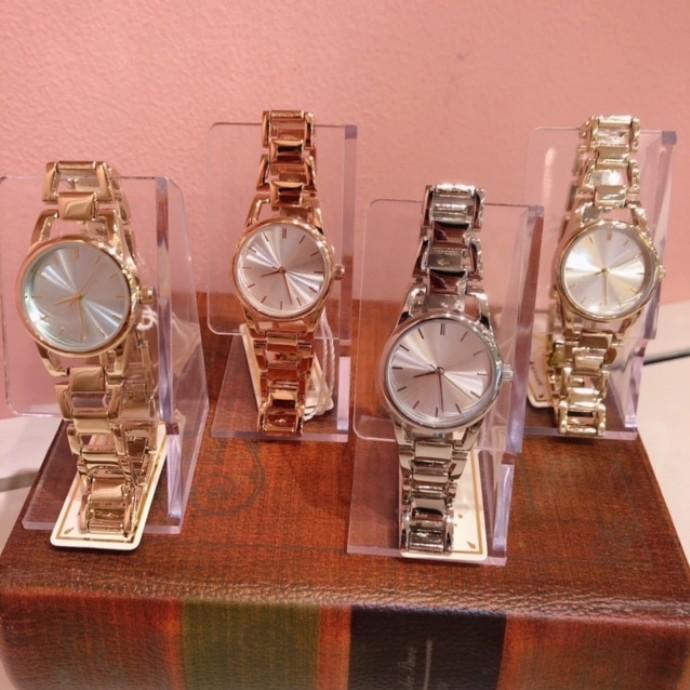 *腕時計*