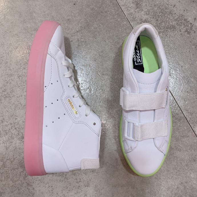 【adidas SLEEK】