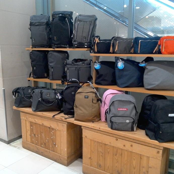 定番のバッグも再入荷