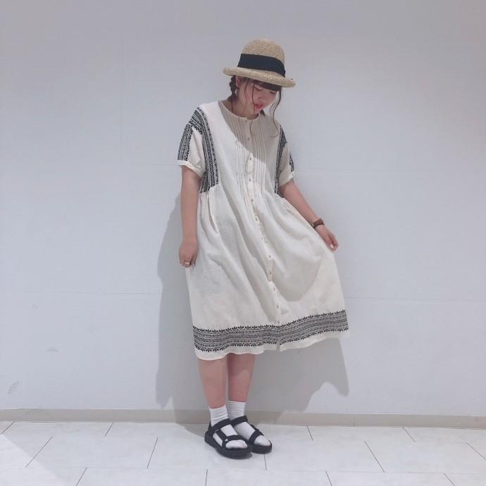 綿麻刺繍ワンピースのご紹介