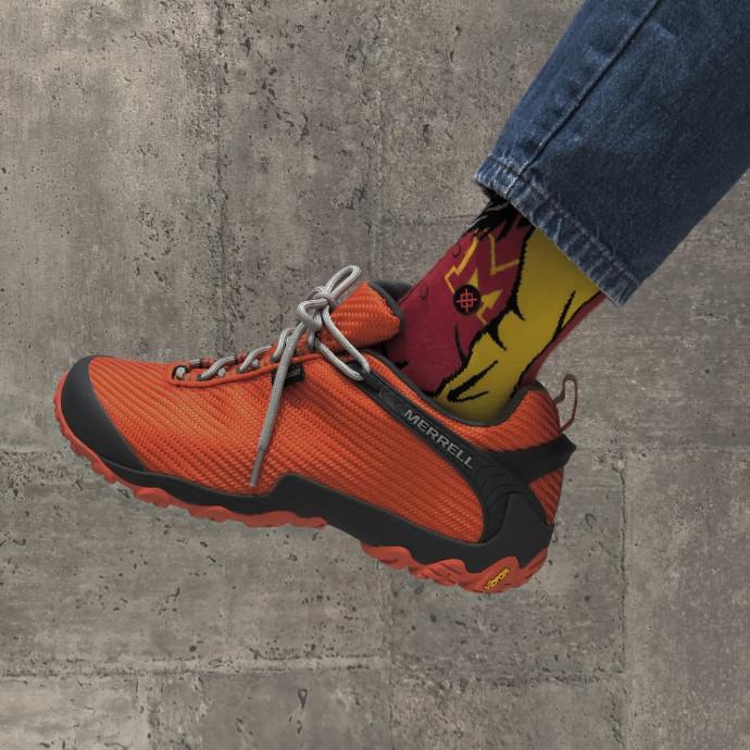 「この夏、最強の靴。」 ゴアテックス搭載、カメレオン7。