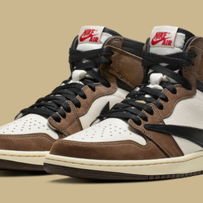 TRAVIS SCOTT × NIKE AIR JORDAN 1 RETRO HIGH OG 入荷