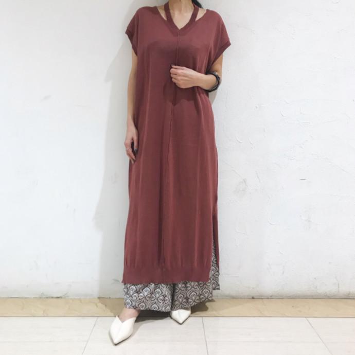 リブホルターニットドレス