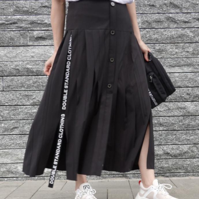 ロゴテーププリーツスカート