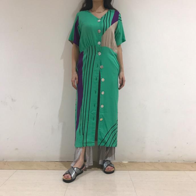 モダンプリントドレス