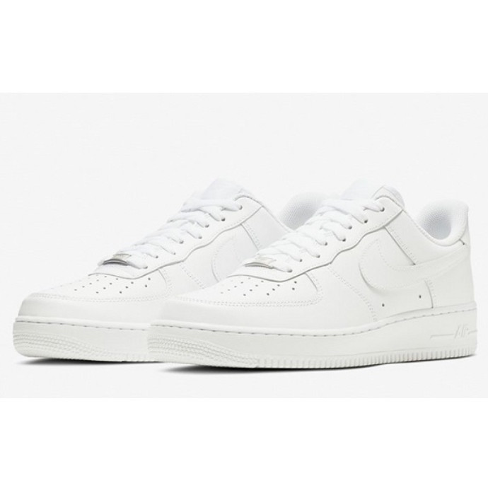 【NIKE】AIR FORCE1 待望の再入荷!☆