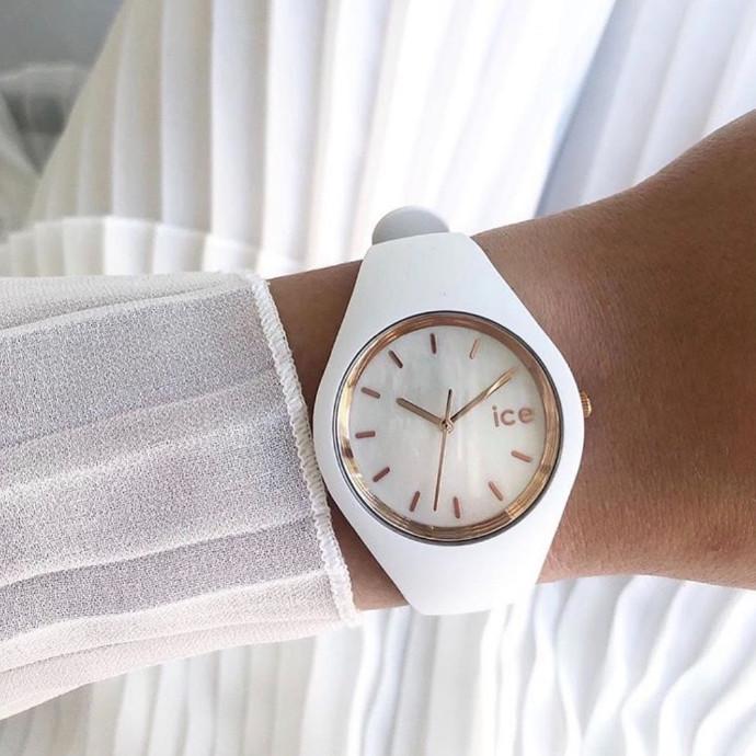 真珠貝使用した時計