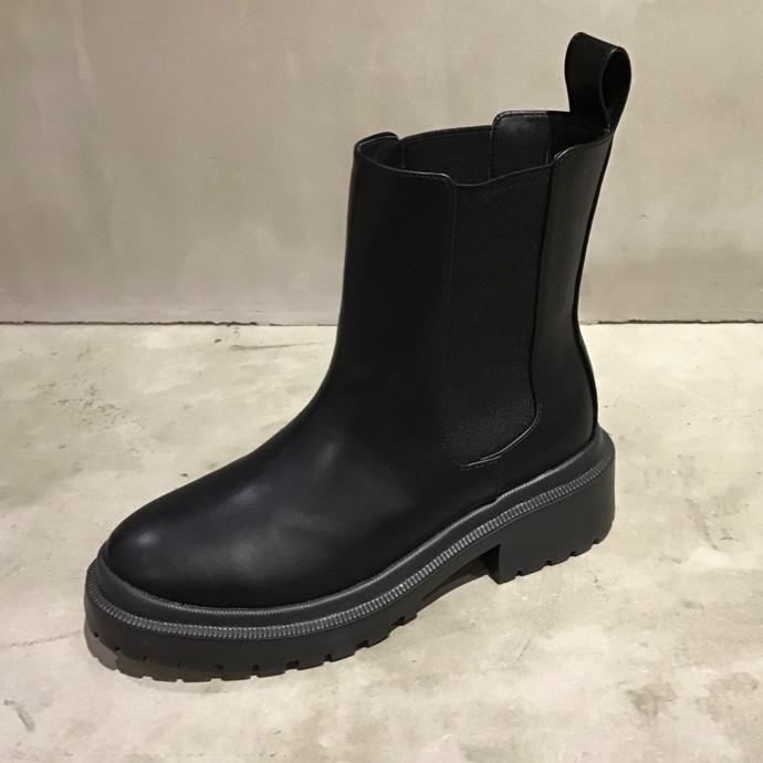 北陸に最適のブーツかもしれません!