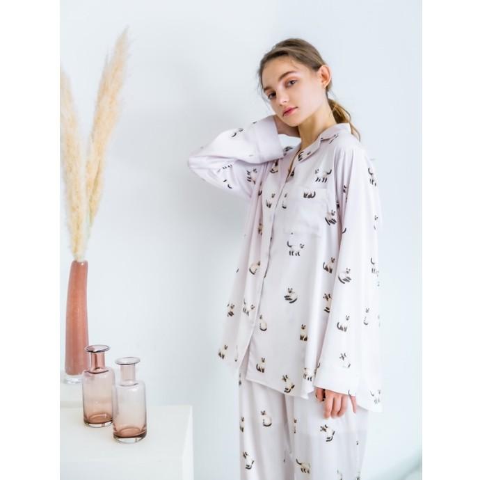 【NEW】凛としたシャムネコモチーフのサテンパジャマ